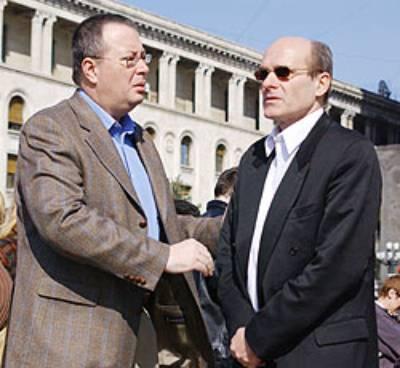 http://www.ziaristionline.ro/wp-content/uploads/2011/11/KGB-Dumitru-Tinu-Bogdan-Chirieac-CTP-Fahti-Taher-MOSSAD.jpg
