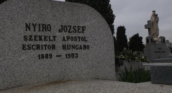 elogiu lui Nyiro la fostul mormânt din Almudena Madrid