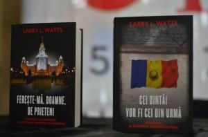 Z Larry Watts la Bookfest Iasi 2013 cu Fereste-ma Doamne de prieteni si Cei dintai vor fi cei din urma