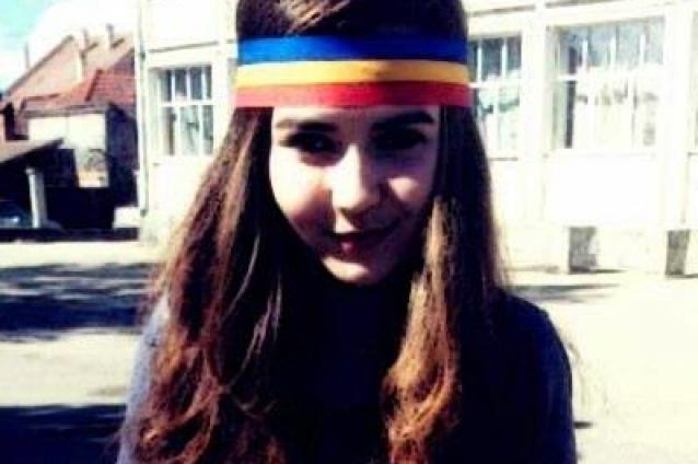 sabina-elena-voi-continua-sa-port-tricolorul-la-scoala