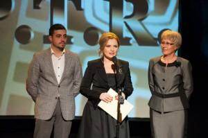 Monica Ghiurco la Premiile APTR 2013 - Mostenirea Clandestina - Larry Watts