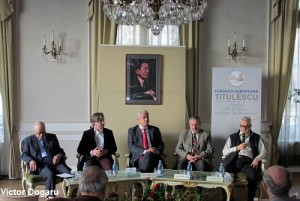 Radu Golban, Corneliu Vlad si altii la Fundatia Titulescu Foto Victor Dogaru