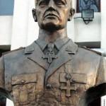 """Mărturia preotului care i-a dat ultima împărtăşanie Mareşalului Ion Antonescu înainte de execuţie: """"La Jilava, soldaţii plângeau în curtea închisorii"""". DOC"""