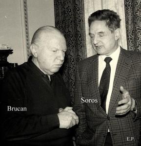 Silviu Brucan si George Soros la sediul GDS ian 1990 Foto Emanuel Parvu 1