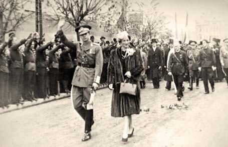 Regele Mihai, Regina, Antonescu si Sima la Marea Manifestare Legionara de la Iasi din 8 Noiembrie 1940