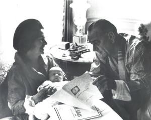 Lyndon Johnson Reading PDB - CIA along his family