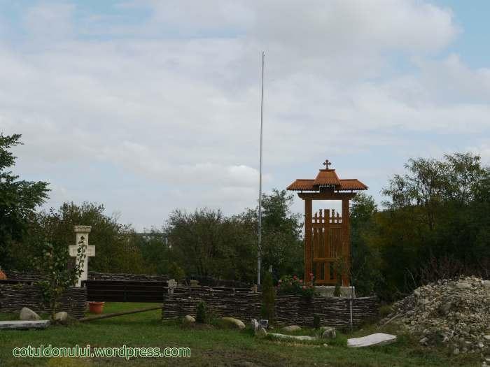 cruce-troita-monument-comana-eroi-romani-soldati-cazuti-morti-batalia-cotul-donului-1942-1