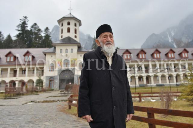 Nicolae Tomaziu la Manastirea Caraiaman - Foto: Bogdan Balas