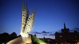 Aripi - Monumentul Eroilor si Rezistentei Anticomuniste - Piata Presei Libere - Mihai Buculei - Ziaristi Online