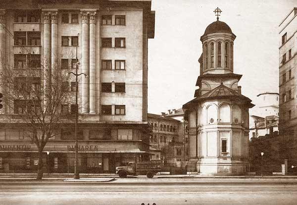 Biserica Enei pe Bulevardul Magheru - Fotografie de Arhiva