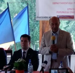 Basescu la Izvoru Muresului despre minoritatea romaneasca din Moldova
