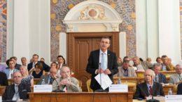 Rectorul UBB Ioan Aurel Pop si acad Dan Berindei la Congesul National al Istoricilor Romani 2016 Cluj Napoca