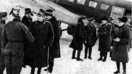 Generalul Pantazi in vizita pe frontul de la Stalingrad in 1942